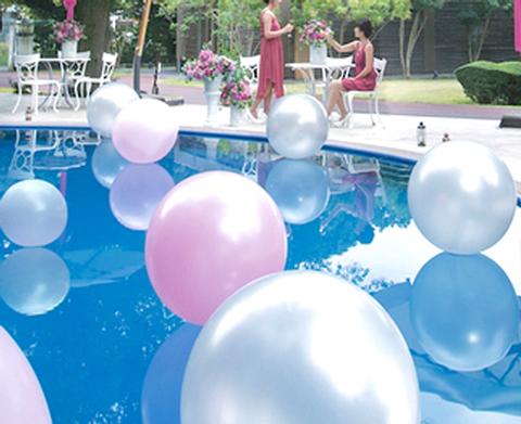 まるで海外リゾートのよう『プールサイド・パーティ』